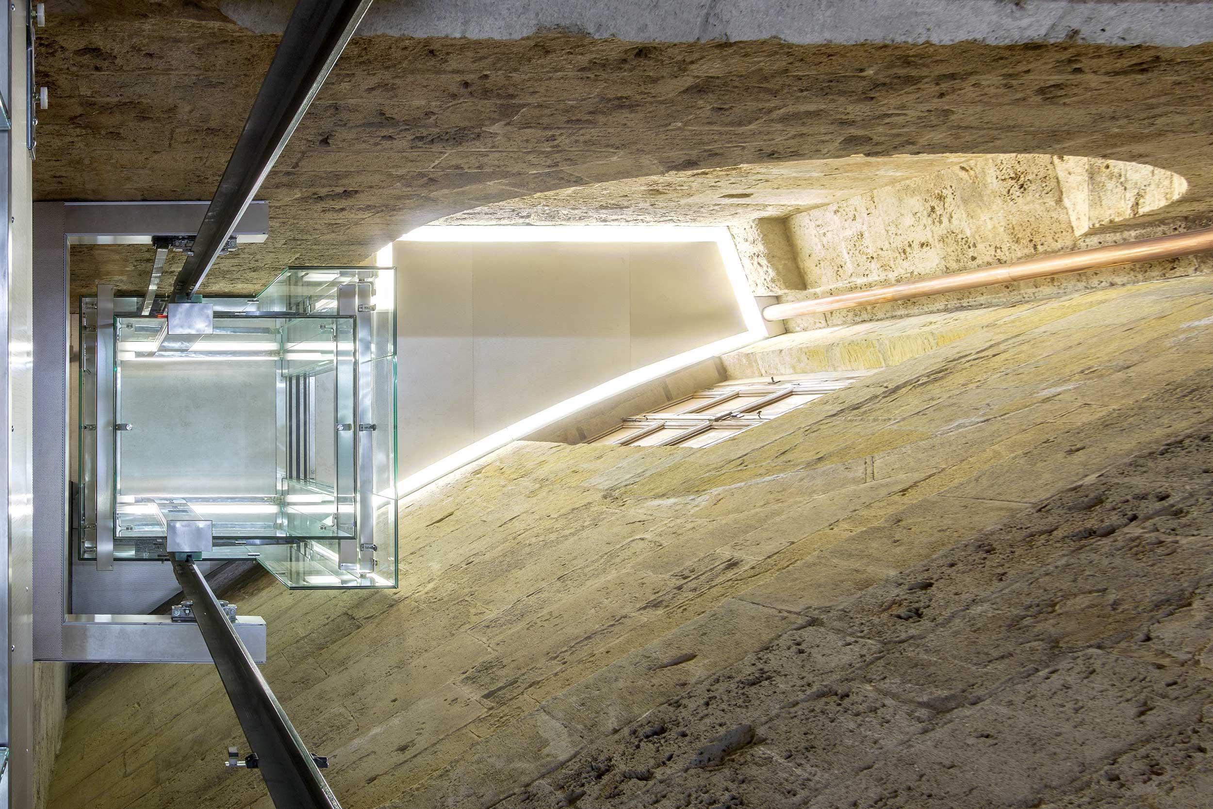elevador Palacio CarlosV