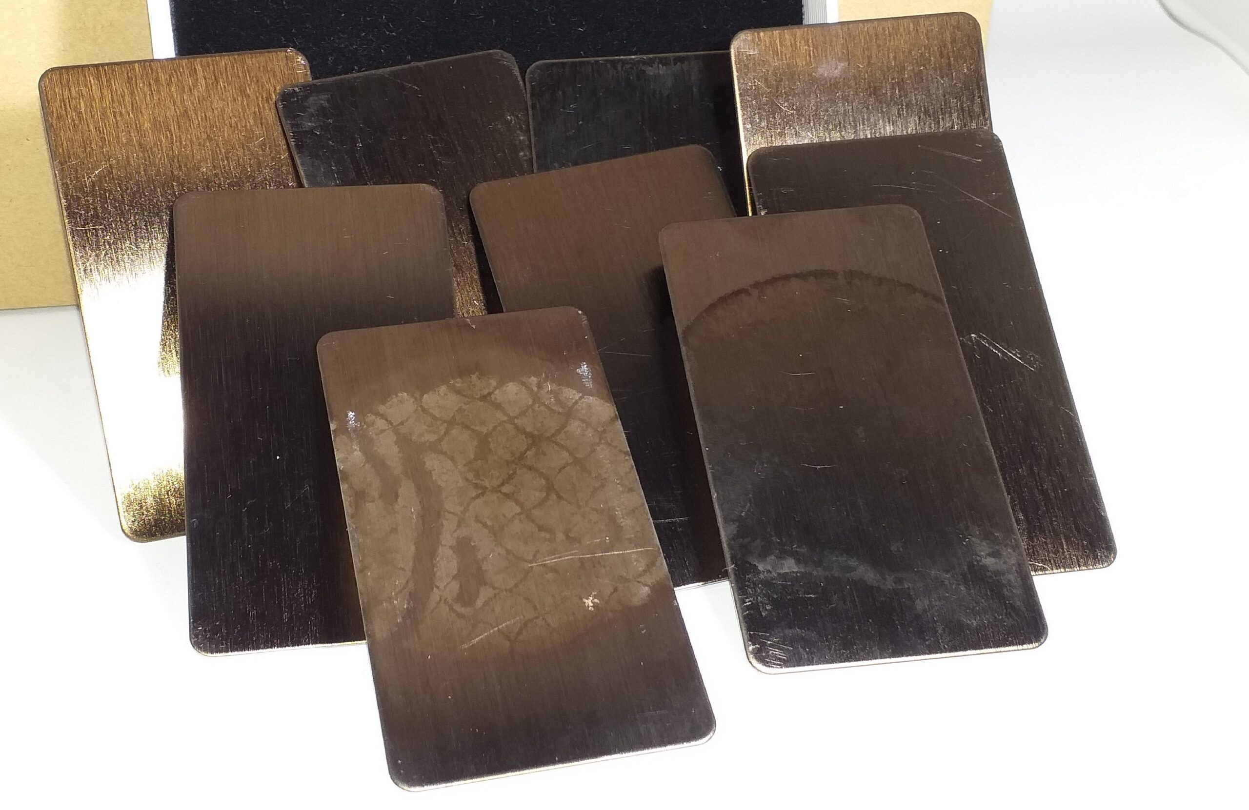 Cómo limpiar el acero inoxidable en color